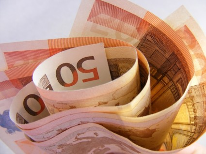 Evro 119,69 dinara
