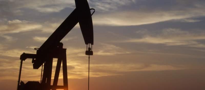 Oseka vrednosti dolara, plima cene nafte