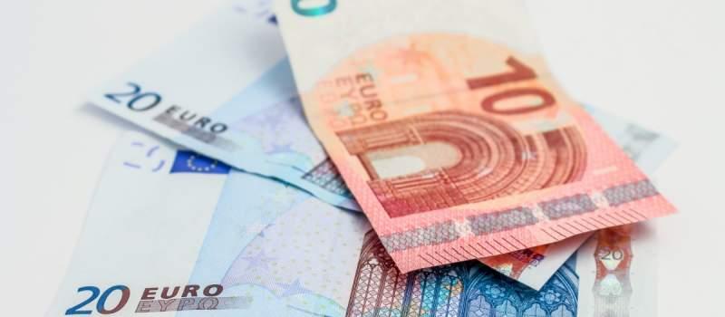 Ova zemlja ima najmanji rast plata u regionu: Prosečna zarada od 2015. povećana za samo 36 evra