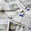 Dinar nastavlja da slabi, danas 123,8002