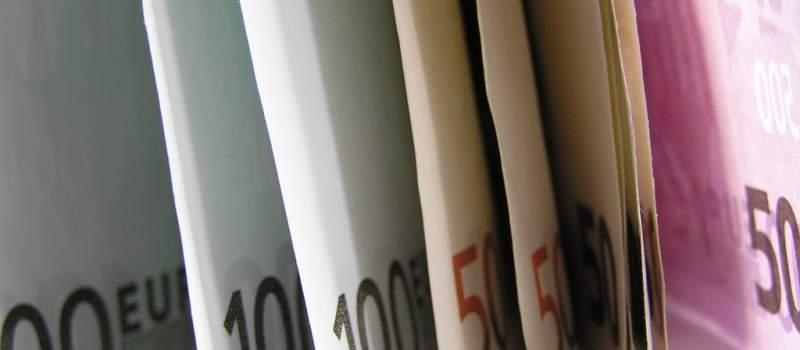 Dinar ojačao 0,1 odsto, kurs 122,7161