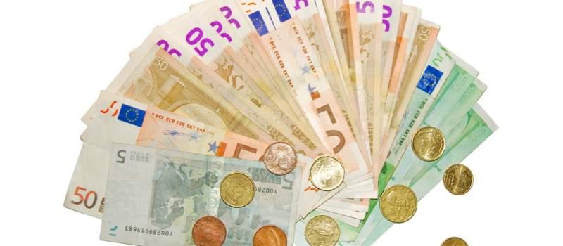 Srednji kurs dinara 122,8154