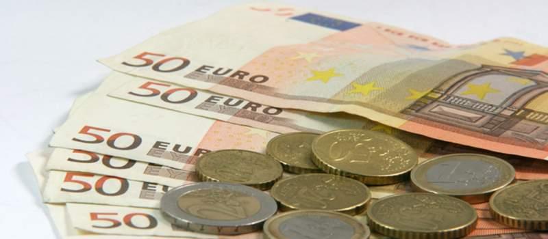 Dinar bez promene, kurs 120,2196