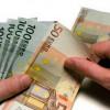 Polovina Srba misli da dobro upravlja novcem