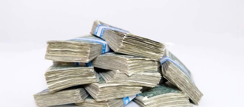 Javni dug bi bio manji 444 mln evra da nije skočio USD