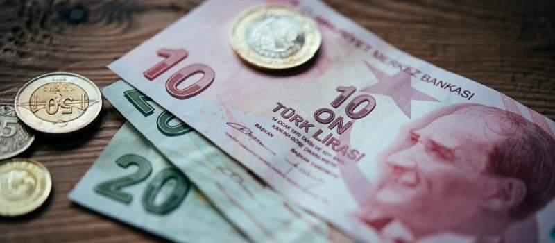 Šta je pokrenulo oštar pad turske lire?