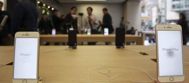 """""""Apple"""" i """"Google"""" učitali aplikaciju za praćenje Kovida 19"""