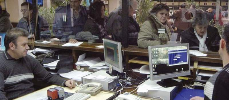 U Srbiji preko 200 hiljada ljudi radi dva posla