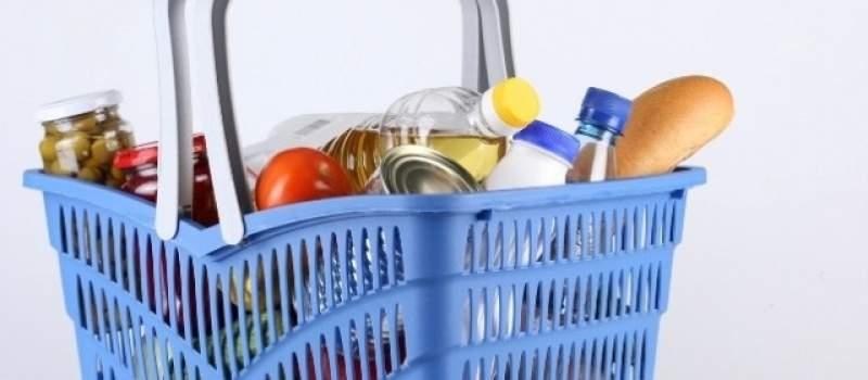 Svaka druga veća kupovina u hipermarketima je na čekove
