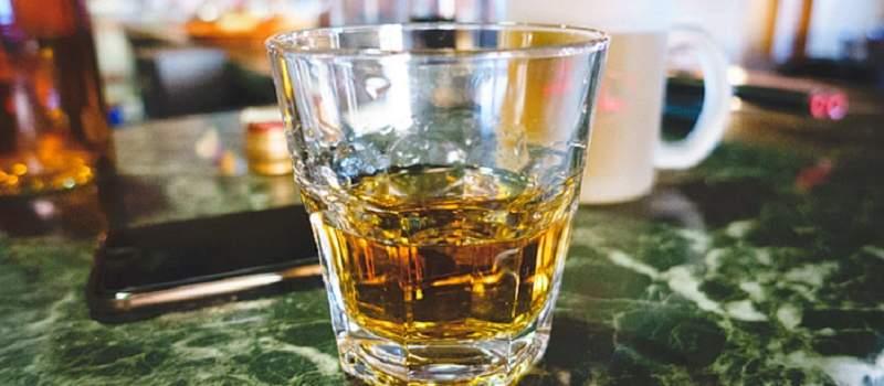 Korona udarila i na viski