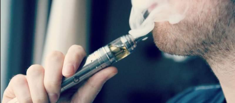 SAD zabranile elektronske cigarete u avionima