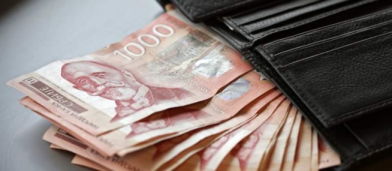 Prosečna neto plata u Srbiji pala u avgustu 3,0 odsto