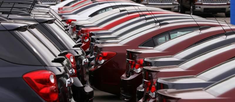 Porasla prodaja automobila, polovni i dalje dominiraju