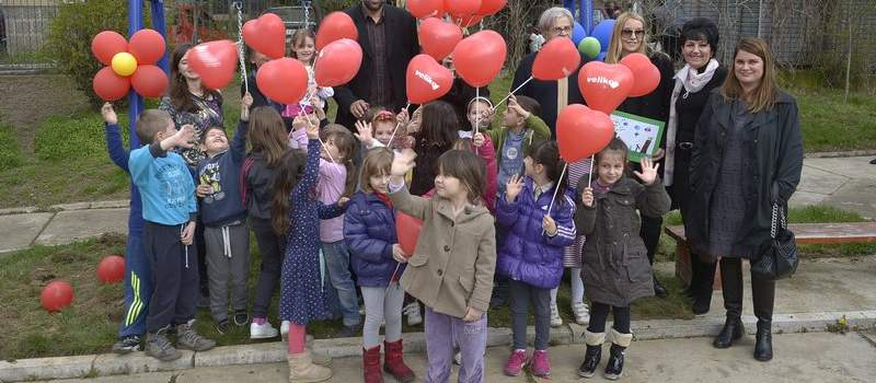 """""""Veliko srce"""" obradovalo decu Zvezdare"""