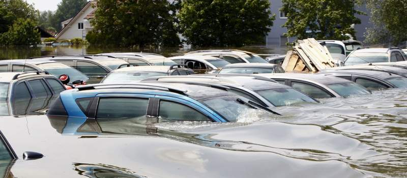 Evo kako prepoznati poplavom oštećeni automobil