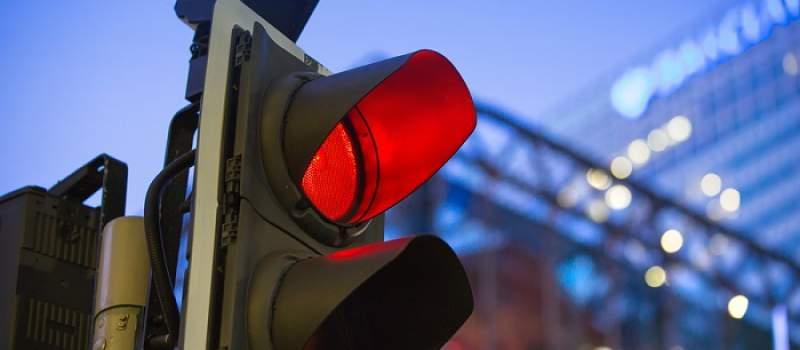 Koliko nas košta čekanje na semaforu?