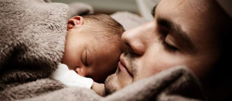 Svega 300 očeva koristi pravo  na porodiljsko odsustvo