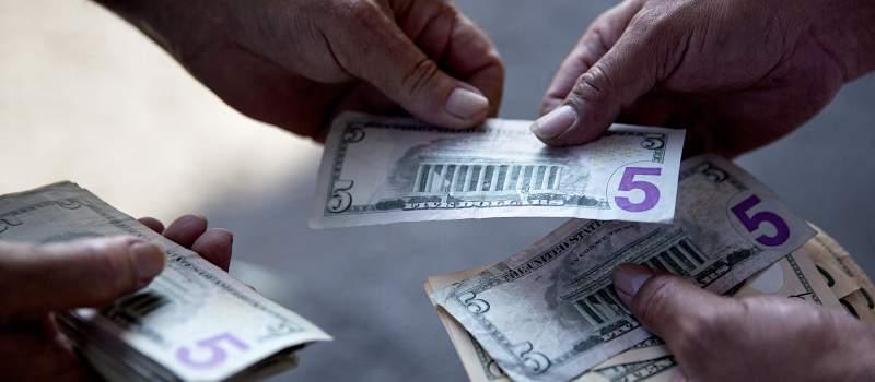 Ko sme da kreditira građane a da nije banka?