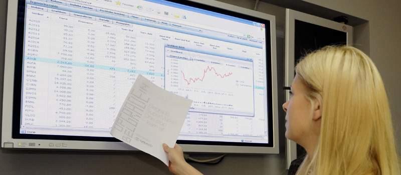 """""""Planule"""" akcije Komercijalne banke, indeksi miruju"""
