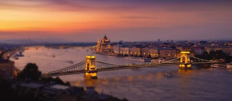 Mađari od sutra zatvaraju granice za sve strance