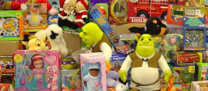 Spremite novčanike: Pola plate samo za poklone za decu
