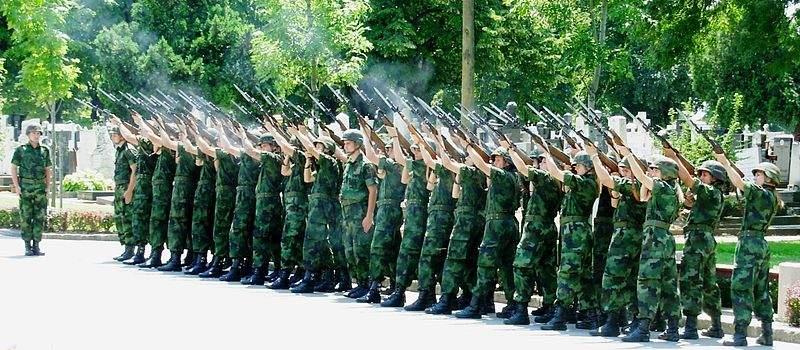 Plata profesionalnog vojnika biće povećana na 55000 rsd