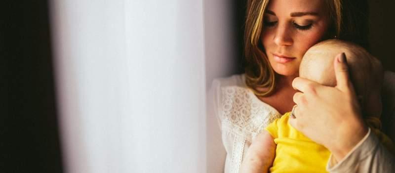 Britanija: Plate žena padaju kada dobiju decu