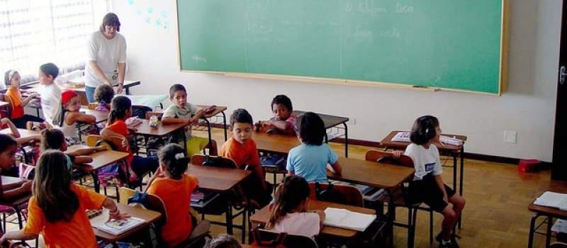 Školovanje je besplatno i košta 6000 dinara mesečno
