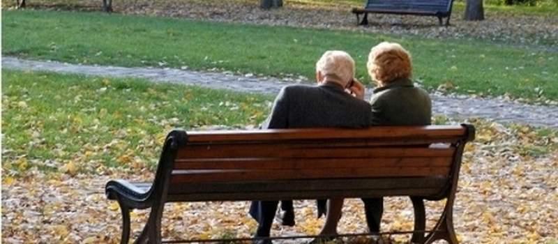Penzije male a penzioneri izdržavaju decu i unuke