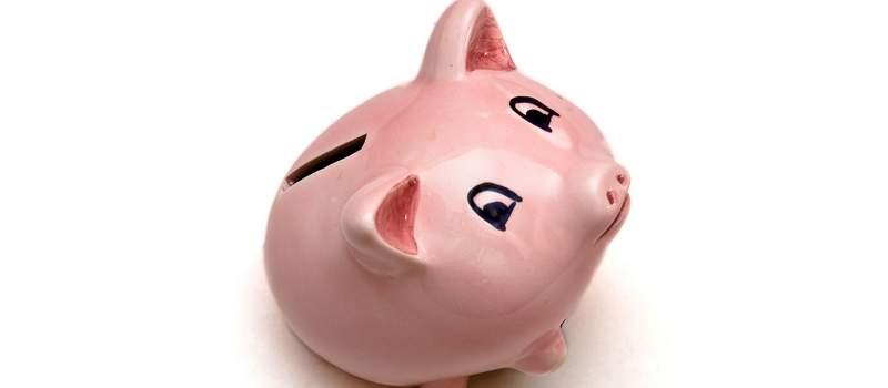 Da li treba da štedite ili da isplatite dug?