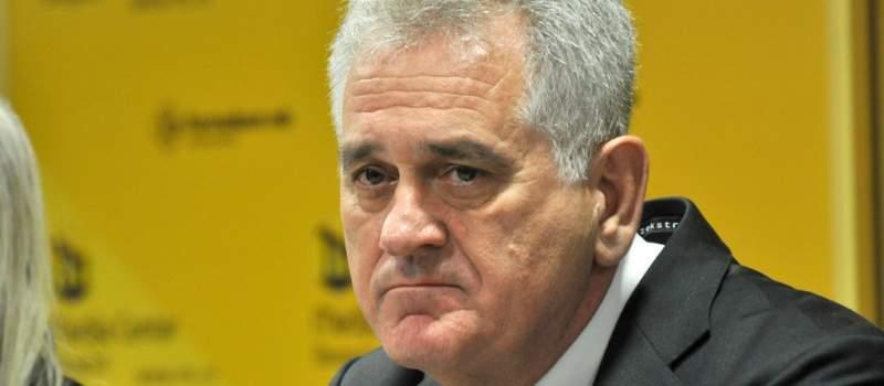 Nikolić pozvao bankare da pomognu ugroženim građanima